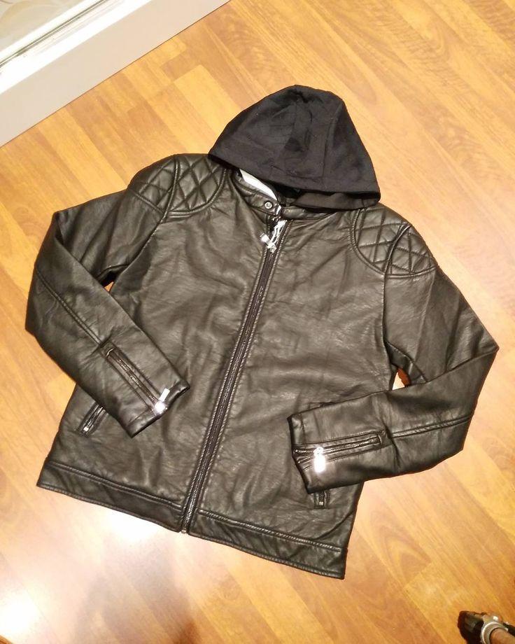 #giubbino uomo #trapunta interna #ecopelle disponibile dalla m alla xxl colori nero e testa di moro euro 39 #valeria #abbigliamento