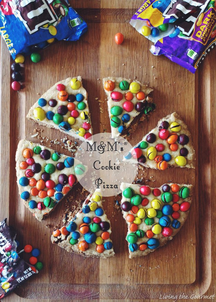 Who doesn't love an M&M'S Cookie Pizza? Your guests will be sure to enjoy this recipe!