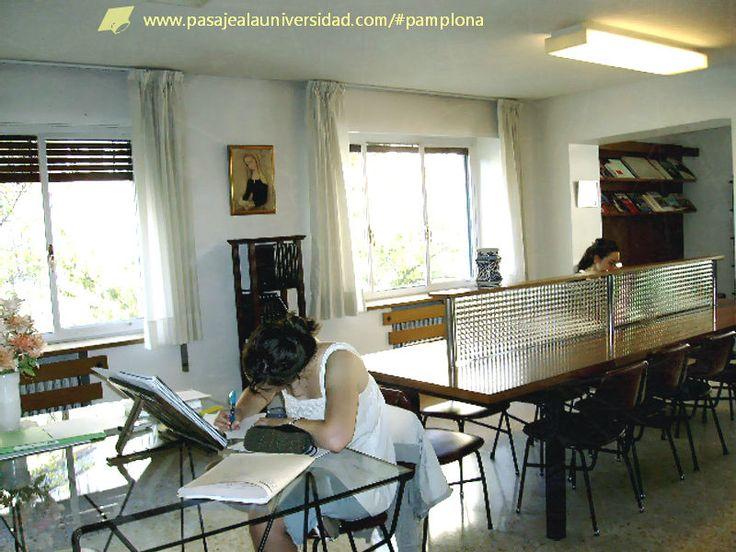 En la biblioteca del #ColegioMayor #Roncesvalles en #Pamplona es un placer estudiar! http://pasajealauniversidad.com/#pamplona