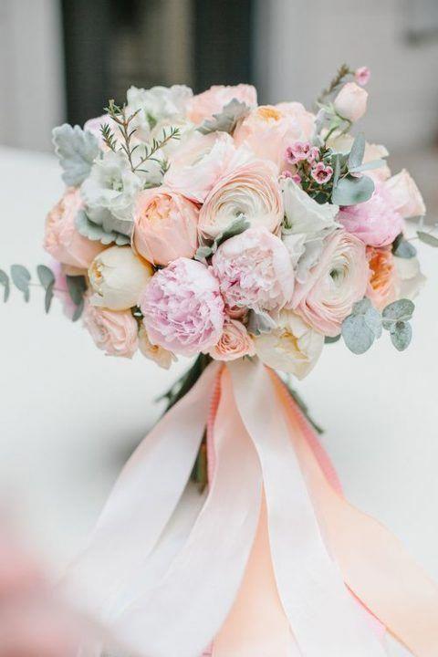 25 Beautiful Spring Wedding Bouquets #beautiful #spring #wedding #bouquets #weddingflowerbouquets