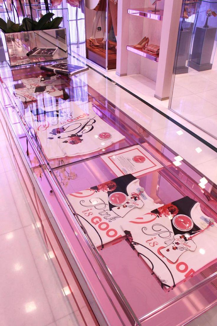 La t-shirt per sostenere #PinkisGood le trovate anche presso la Boutique Blumarine in Via della Spiga 30, Milano http://pinkisgood.it/wp/partners/blumarine/