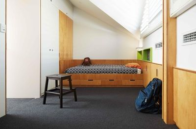Shakespeare Street House -Compact bedroom space. Philip Stejskal Architecture