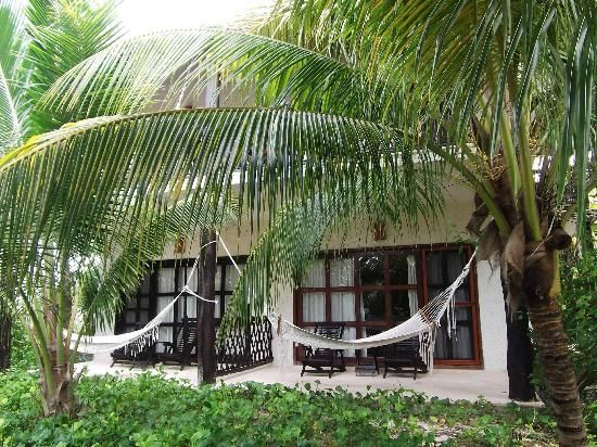 Los Lirios Hotel Cabanas: room from outside