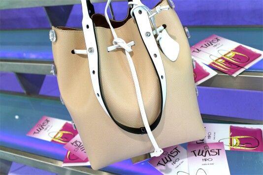•P/E 2016•  Può una borsa rendere il tuo outfit infallibile? Si, se si tratta delle nuove fantasie primaverili Twist!  Vieni a scroprirle nel nostro negozio oppure scrivici per qualsiasi info!  WhatsApp 344 04 69 082   #twist #borsa #donna #woman #bags #fashion #glamour #fluo #borse #accessori #creazioni #bella #madeinitaly #borsetta #accessori #lavoglio #donne #cassino #stile #belle #moda #dettagli #formia #bag #ragazzina #loveit #colorate #colori #molise