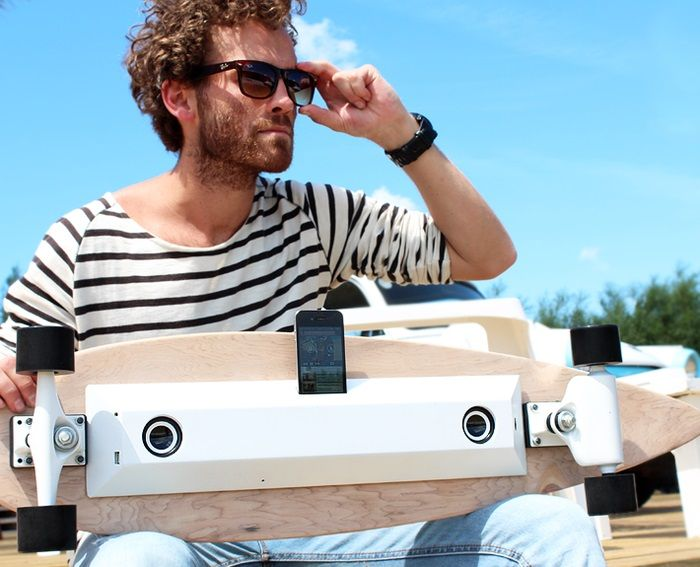 Chargboard produces energy when skating and stores it in a battery. www.weddstore.com