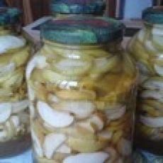 Консервированные яблоки в собственном соку - кулинарный рецепт