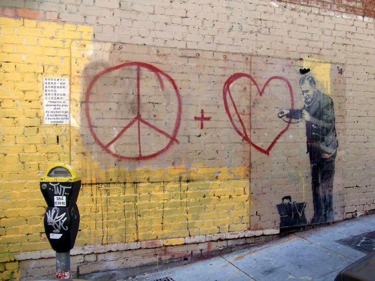 バンクシー: The Most Iconic Banksy Works Of All Time
