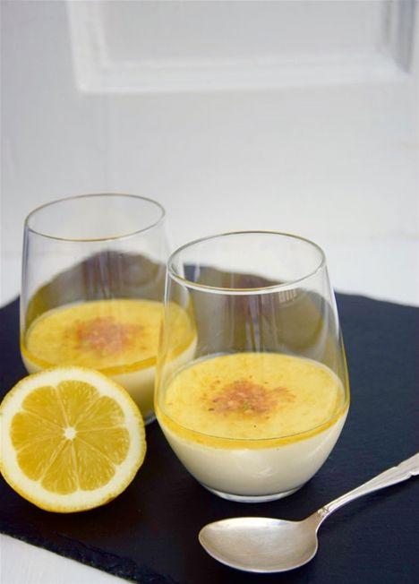 Fed flødedessert med syrlig citronsirup - uhm!