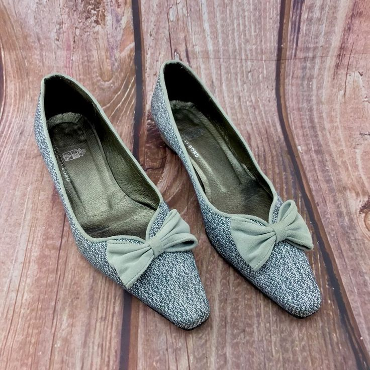 franchetti Bond Womans court Shoes size 38.5 low heel tweed style deign with bow