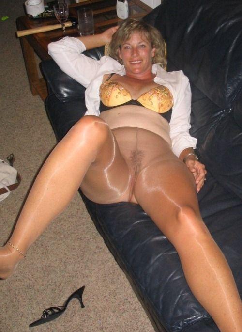 Nude foot fetish models