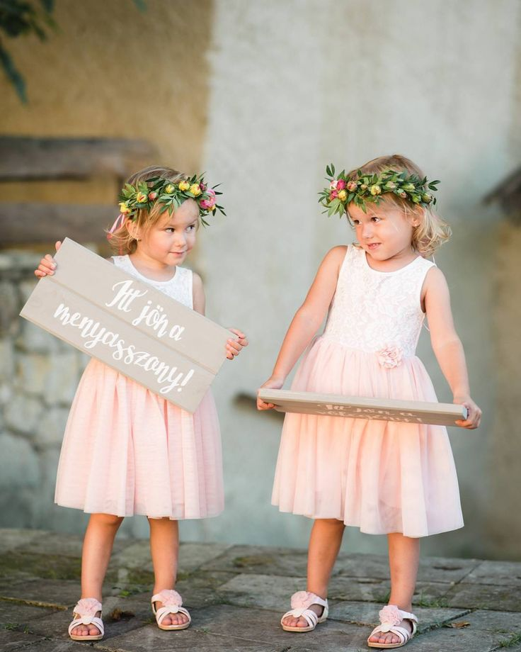 Flowers Girl Cutie Pies  #herecomesthebride  Signs by @emeseszakacs
