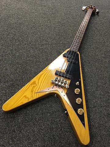 A que se deve a falta de popularidade da Gibson em relação à Fender? - Página 3 D02fe445c87bbb267bd0d3a0306075f4