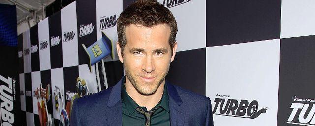 """A lire sur AlloCiné : """"Plus que 365 dodos"""" avant """"Deadpool"""", selon Ryan Reynolds. Et pour fêter ça, l'acteur a posté un aperçu du masque qui sera le sien sur Twitter."""