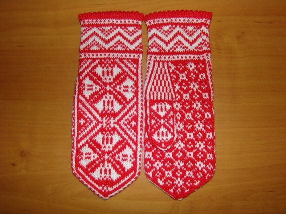 Cozy red mittens by orintadesign on Etsy, $40.00