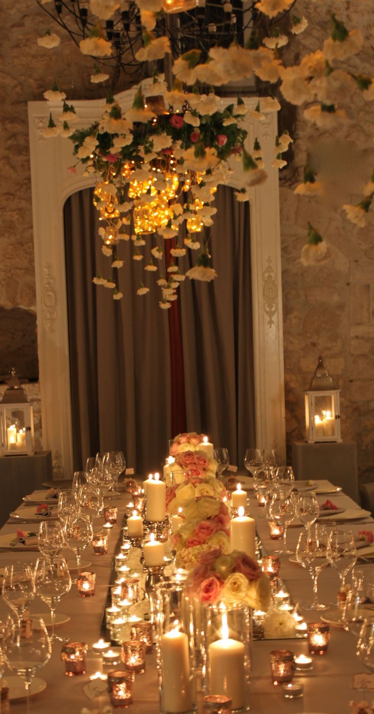 flowers cascade, roses and candles, wedding table decorations, Castello di Montigano, Claudia Bisceglie