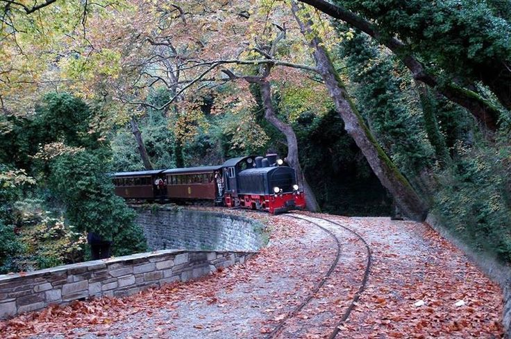 """Mountzouris"" train - Mount Pelion"