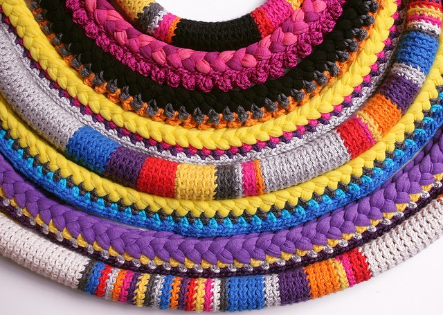 love love love this crocheted necklace