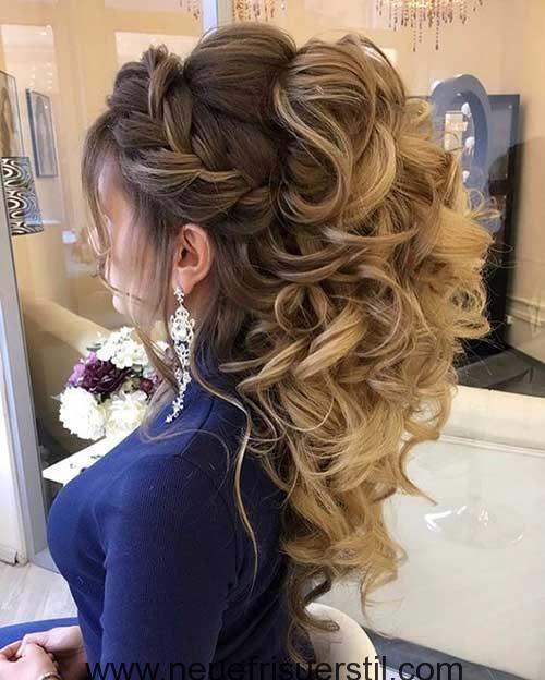 Halb Hochgesteckt Halb Offen Diese Prunkvolle Brautfrisur Ist Einfach Zauberhaft Brautfrisur Hochzeit Bra Frisuren Hochzeitsfrisuren Frisur Hochgesteckt