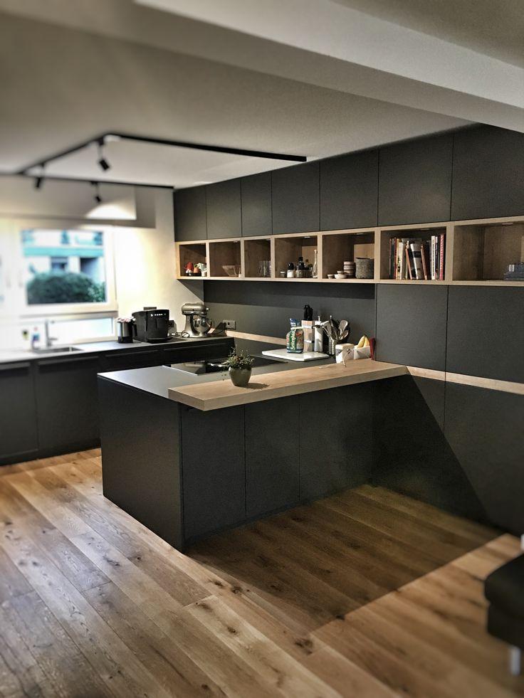 Der küchenbauer www jansen kuechen de hat eine individuelle einbauküche mit insel und thekenlsung