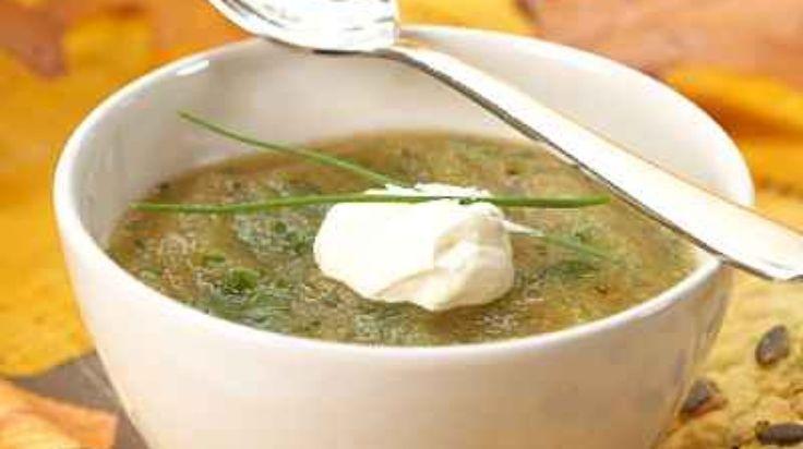 Gresskarsuppe med rømmeklatt og gressløk.