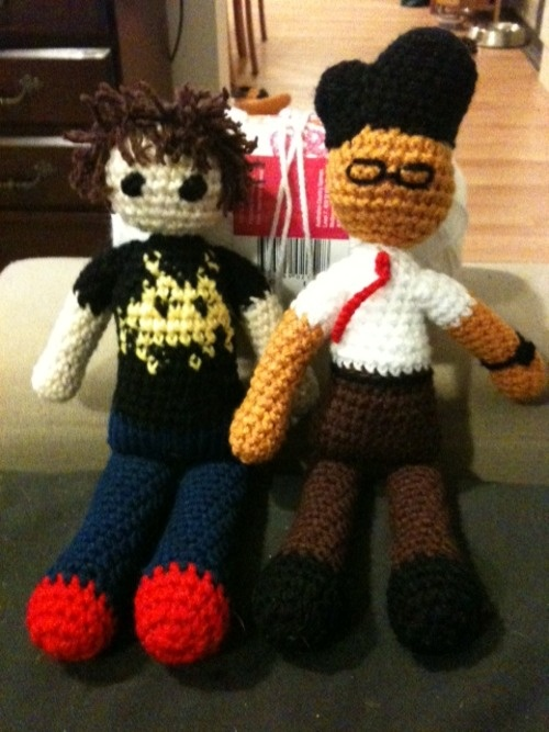 THEY'RE SO CUTE I JUST LOVE THEM. (Roy and Moss from The IT Crowd): Knitting Projects, Crafty Time, Awesome Stuffs, Crafty Geekery, Crochet Amigurumi, Creative Crochet, Yarn Projects, It Crowd, Bbc Ruined
