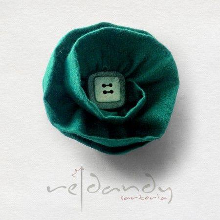Re Dandy - Fiore all'occhiello in cotone verde. #madeinitaly #buttonhole #fashion #moda #brand #boutique #accessories #accessorimoda