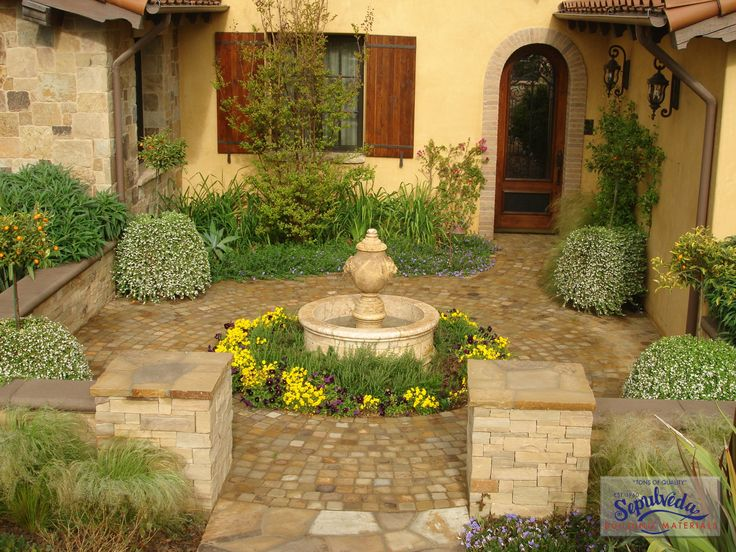 Old world courtyard courtyard pinterest spanish for Spanish courtyard ideas