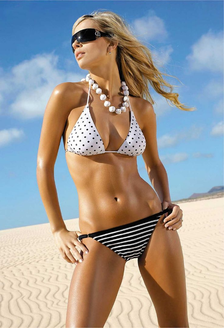 Hot Bikini Model Pictures 15