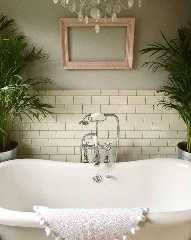 Search Results For Mini Metro Cream Gloss Wall Tiles 7 5x15cm In 2020 Cream Tile Bathroom Cream Bathroom Bathroom Wall Tile