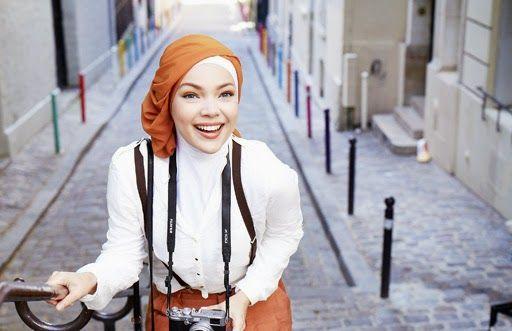 Gaya Hijab Dewi Sandra | Cantik Berbaju Muslim