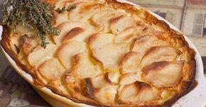 """Pommes de Terre Dauphinoise sau cartofi """"Dauphinoise"""" – denumirea cu adevărat poetică a acestor bucate îşi are începutul în regiunea istorică franceză Dauphine, care aparţinea urmaşilor la tron – dofinilor. În ţara de baştină această mâncare este deosebit de preţuită şi îndrăgită, putând fi gustată atât în restaurantele prestigioase, cât şi în bistro-urile de cartier. …"""