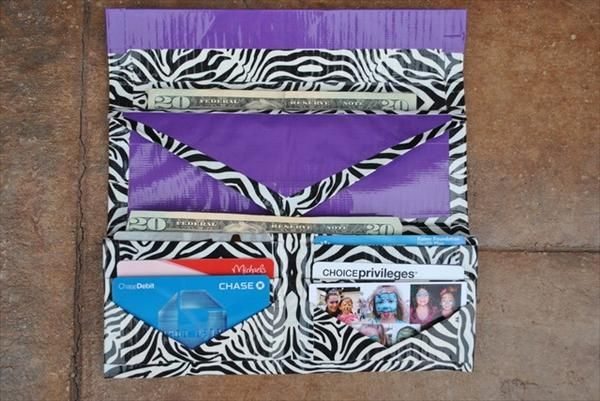15 Cool Duct Tape Wallets   101 Duct Tape Crafts/ just pictures