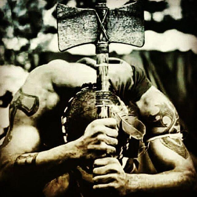 #Umbanda #umbandasaber #Xangô #Kabecile 🖋 Se eu desanimar e perde minha fé , que role uma pedreira em cima de mim ✝