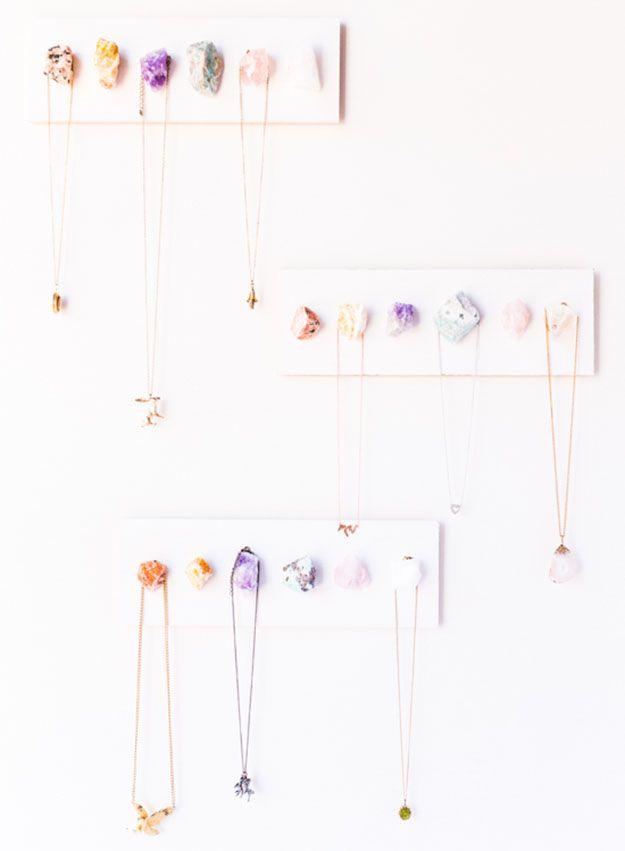 | DIY Neclace Organizer | DIY Projects & Crafts by DIY JOY at http://diyjoy.com/cheap-diy-gifts-ideas
