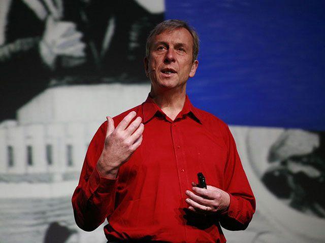 Kevin Warwick, premier cyborg de l'histoire de l'humanité