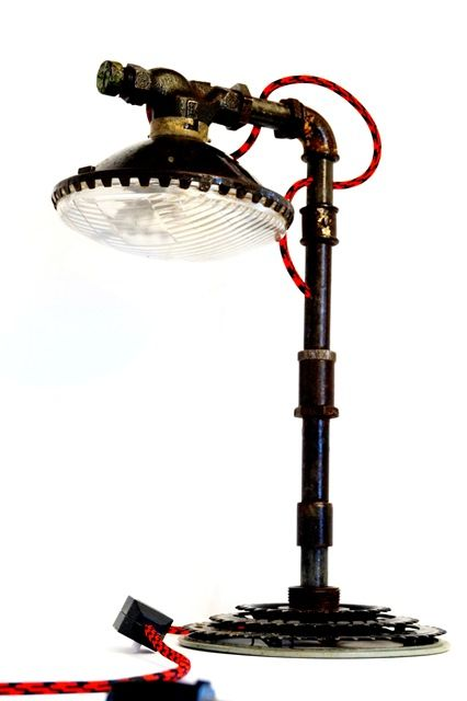 Лампа из труб в стиле лофт
