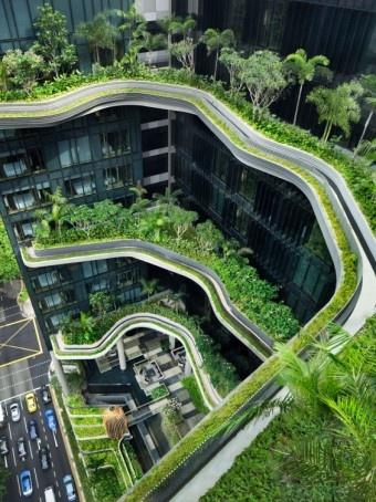 Tasarım: WOHA Woha tasarım ekibi tarafından tasarlanan GARDEN PARKROYAL otel küresel ısınma çanları çaldığı dünyada organik binalara güzel örnek olmaktadır.