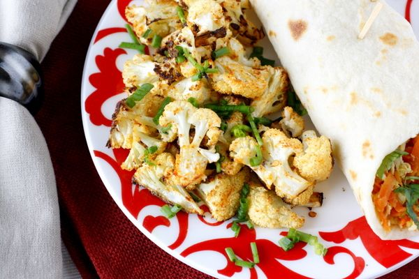 Spicy Roasted Cauliflower: Cauliflowers Side, Dishes Dinneridea, Healthy Side Dishes, Eating Cauliflowers, Cha Spicy, Cauliflowers Baking, Healthy Food, Roasted Cauliflowers, Spicy Roasted