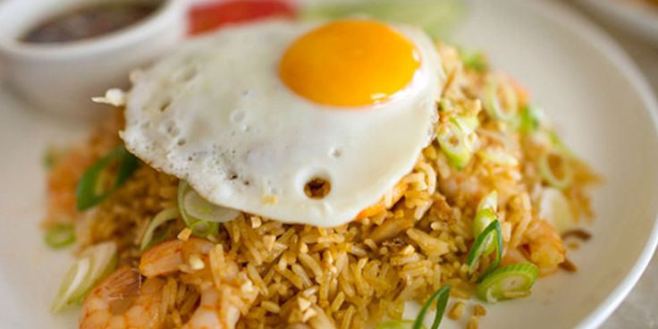 Try this extraordinary Nasi Goreng Recipe from the foodies at Bali Food Safari. Who doesn't love the traditional breakfast of Indonesian fried rice.