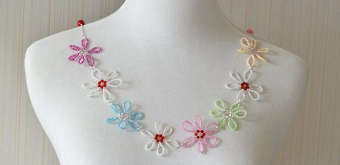 Pandahall's Free Seed Bead Flower Necklace Patterns and Instructions