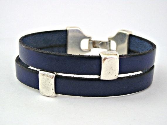 Navy blue double wrapped bracelet with by TyssHandmadeJewelry http://etsy.me/qXcKwn via @Etsy #blue #wrapped #bracelet $21.90