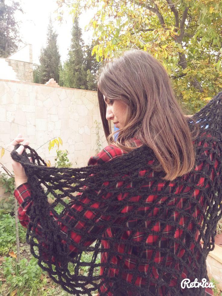 Bufanda calada. Mantón. Punto Nudo de Salomón. Crochet. Handmade