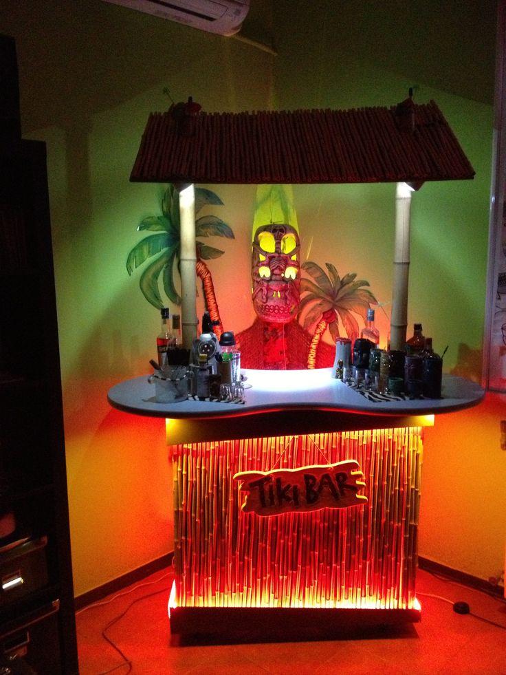 Best 25 tiki bars ideas on pinterest outdoor tiki bar for Tiki room decor