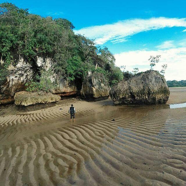 Pantai Clungup