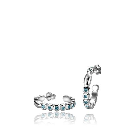 From the collection #RollingDiamonds, a wonderful pair of earrings with light blue crystals.