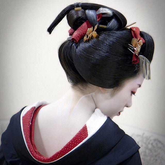 Memorias de una Geisha, libro y artículo muy interesante para aprender sobre el maquillaje y rituales de belleza que realizaban