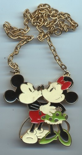 Vintage Walt Disney Productions Mickey Minnie Mouse Kiss Pendant