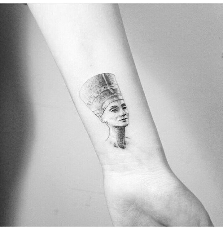 nefertiti tattoo tattoo pinterest nefertiti tattoo and tattoos and body art. Black Bedroom Furniture Sets. Home Design Ideas