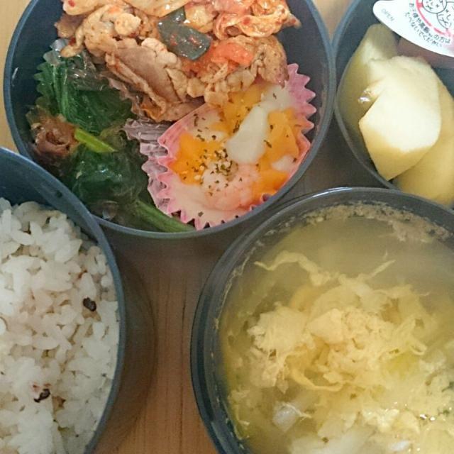 10*31弁当  豚キムチ ほうれん草のおかかあえ 冷凍グラタン 葱と卵のスープ りんご、ぜりー - 8件のもぐもぐ - #豚キムチ by ひろ