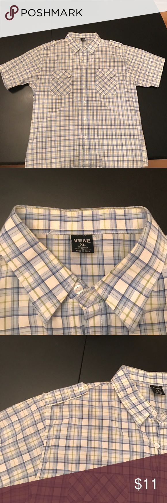👔Men's short sleeve button down shirt 👔 Gently used. Perfect for the summer ☀️👌🏻 Vese Shirts Casual Button Down Shirts